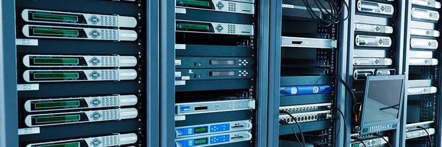 Плюсы аренды серверных стоек вместо покупки